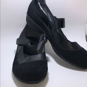 Drew Shoes Black Suede Leather Mary Jane Genoa